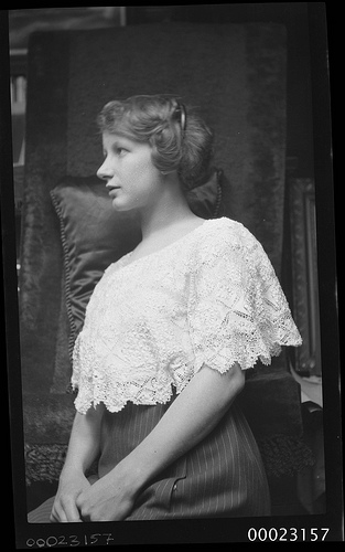 1913 woman Dorothy Sterling