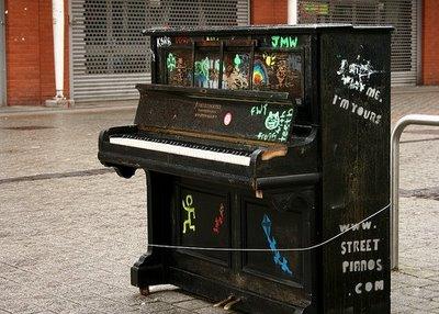 street+piano+3