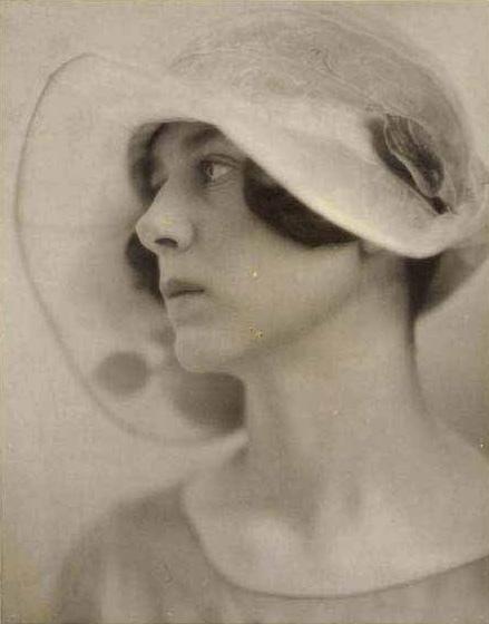 1924 woman
