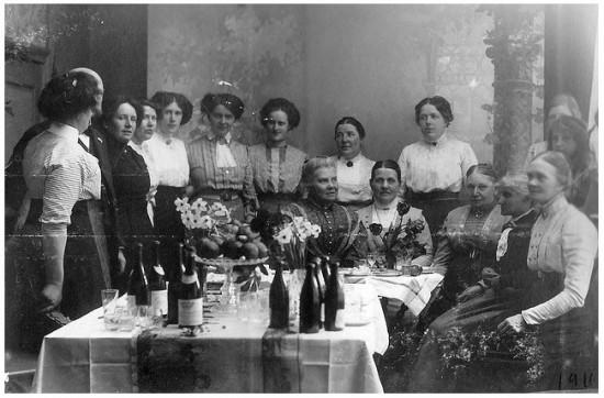 1911 women