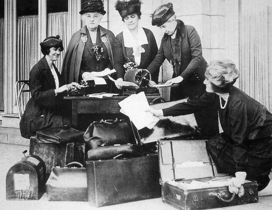 League-of-Women-Voters-preparing-for-Dem-convention_1920