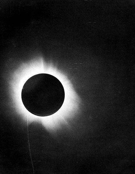 "Eddington photograph confirming Einstein's theory that light ""bends"""