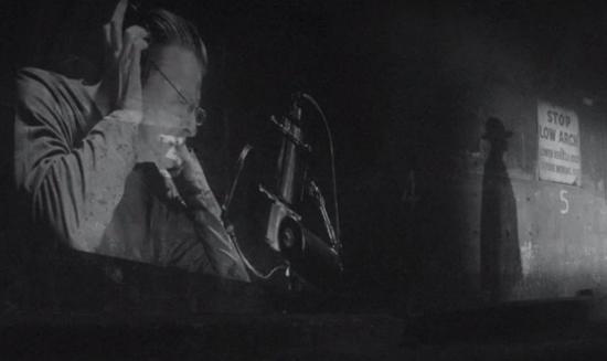 David-Bowie-Sue-videoCROP