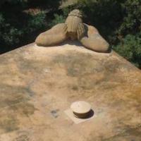 memorial thumb