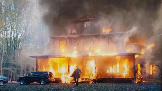 The-Bourne-Legacy-Movie-house-fire-screenshot-600x337