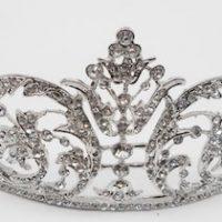 tiara thumb