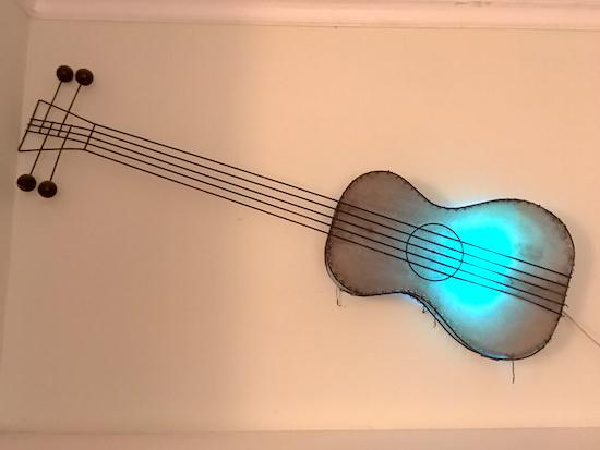 guitar-lamp
